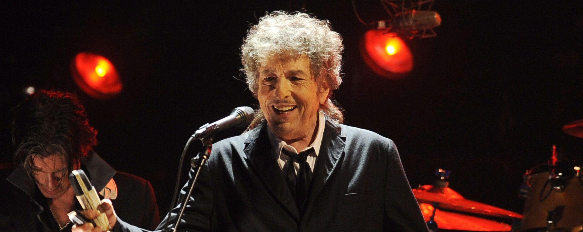 Боб Дилан выступает в Лос-Анджелесе - Sputnik Mundo, 1920, 24.05.2021