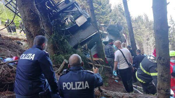 Desplome del teleférico en Italia - Sputnik Mundo