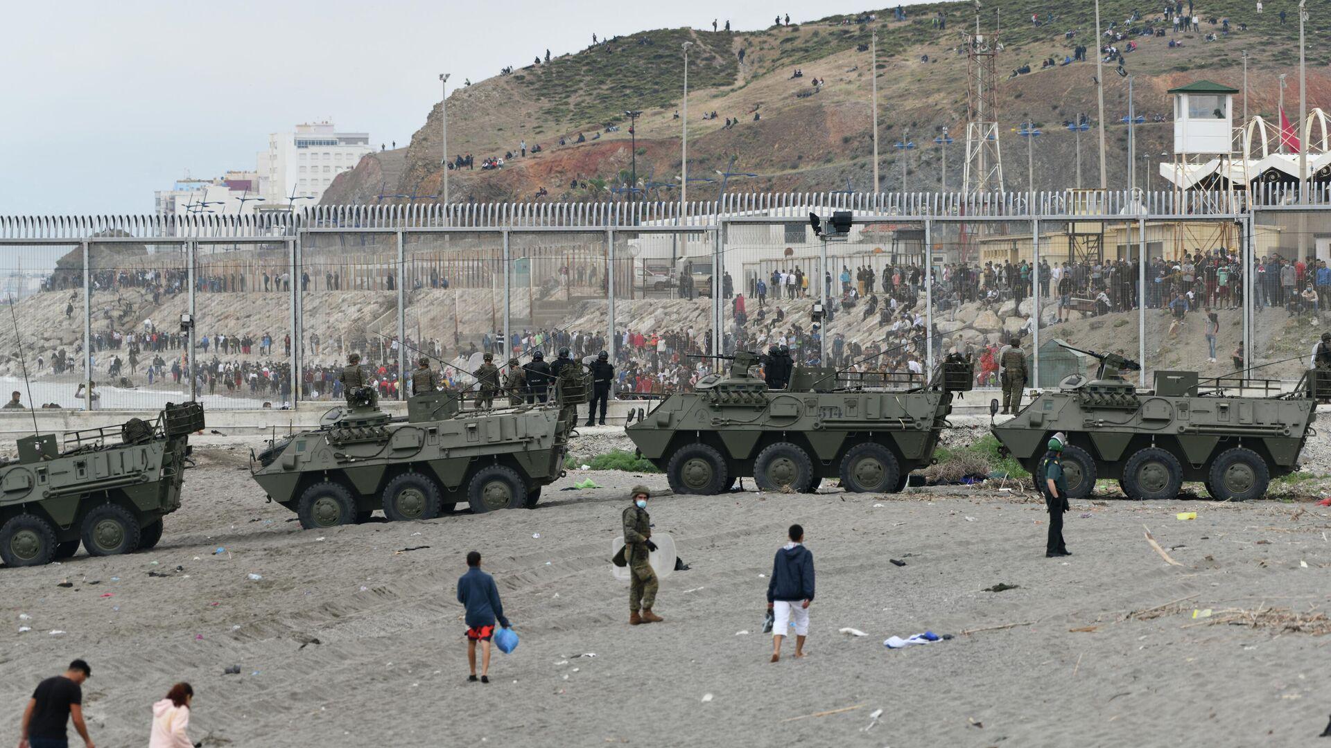 El Ejército español devuelve en caliente a los migrantes que han entrado por Ceuta - Sputnik Mundo, 1920, 26.05.2021