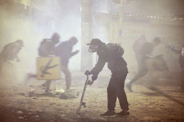 Ante tales abusos, la Organización de las Naciones Unidas (ONU), la OEA, la Unión Europea y organizaciones de derechos humanos, entre otros, han denunciado ante la comunidad internacional un uso desproporcionado de la fuerza por parte de la Policía de Colombia.  - Sputnik Mundo