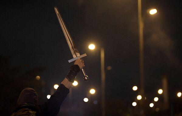 Desde hace prácticamente un mes, Colombia sostiene un paro nacional en rechazo a la radicación en el Congreso de una polémica reforma fiscal impulsada por el Gobierno, que ante la presión popular se vio obligado a retirarla el 2 de mayo. - Sputnik Mundo