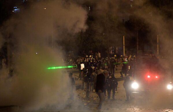 Según informó el ente, las principales lesiones que sufrieron las personas en las manifestaciones en Bogotá fueron afectaciones en ojos y vías respiratorias (96 casos) y heridas en cabeza, cara o extremidades (36 casos). - Sputnik Mundo