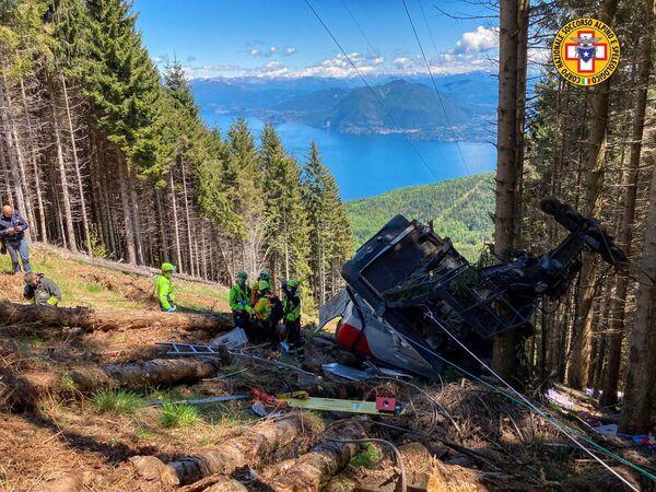 El lugar de un accidente en Italia en el que se desprendió la cabina de un teleférico. - Sputnik Mundo