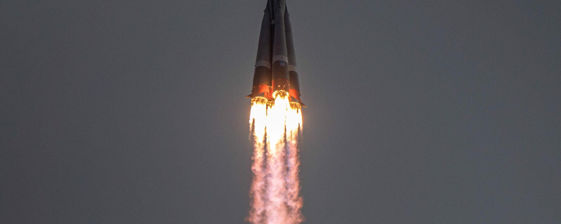 Lanzamiento del cohete Soyuz 2.1b el abril de 2021 - Sputnik Mundo, 1920, 28.05.2021
