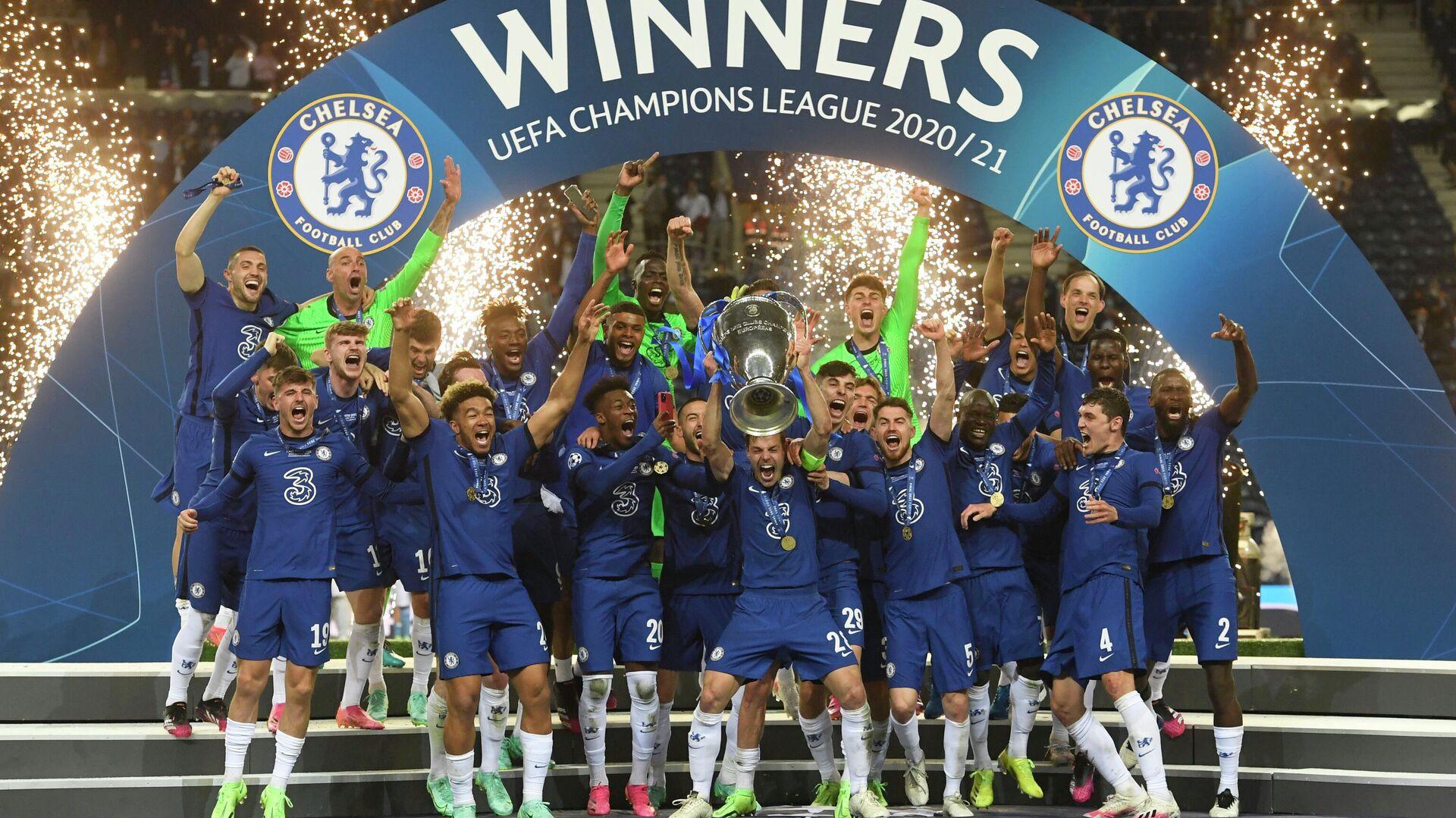 Jugadores del Chelsea, celebran su victoria ante el Manchester City en la final de la Liga de Campeones de la UEFA en Porto (Portugal), el 29 de mayo del 2021 - Sputnik Mundo, 1920, 29.05.2021