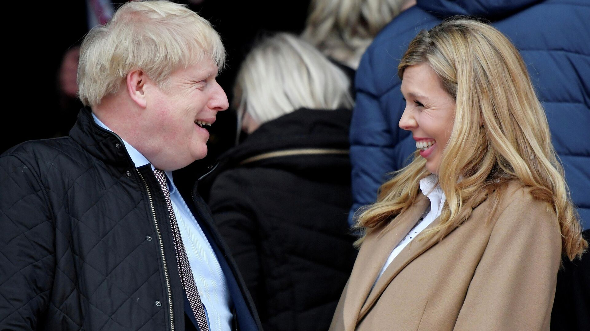 El primer ministro británico, Boris Johnson, con su prometida, Carrie Symonds (archivo) - Sputnik Mundo, 1920, 30.05.2021