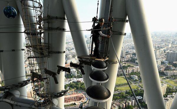 Uno de los guías de la Canton Tower. - Sputnik Mundo