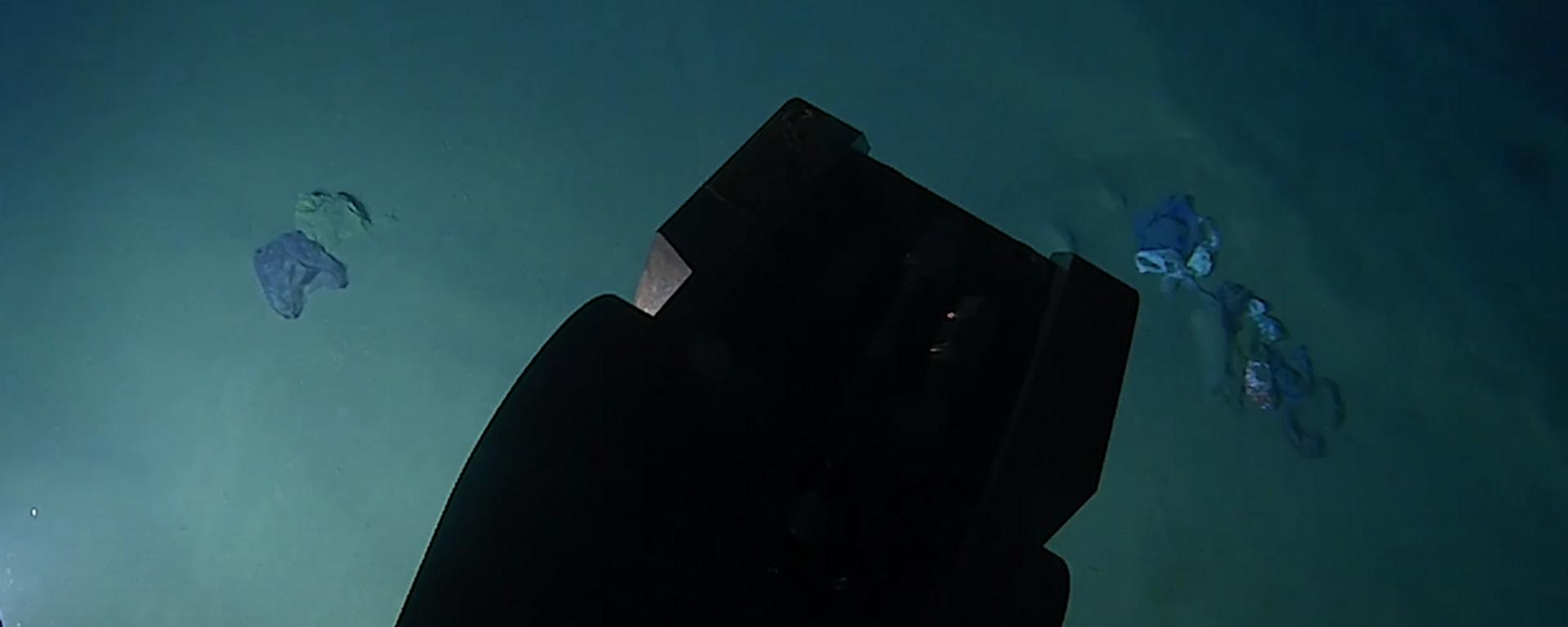 Bolsas y plástico en la tercera fosa marina más profunda del mundo - Sputnik Mundo, 1920, 01.06.2021