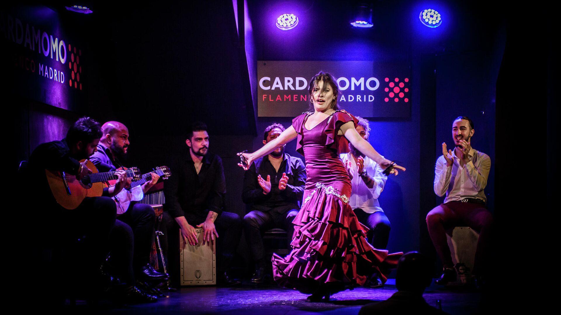 Actuación flamenca en el tablao Cardamomo, en el centro de Madrid - Sputnik Mundo, 1920, 06.06.2021