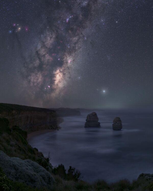 La foto Nyctophilia es obra del fotógrafo José Luis Cantabrana y fue tomada desde la Great Ocean Road, en Victoria (Australia). - Sputnik Mundo