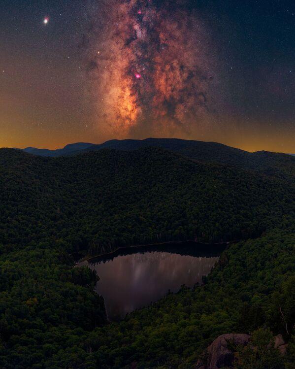 ADK Magic de Daniel Stein se registró en las montañas Adirondack, al noreste del estado de Nueva York (EEUU). - Sputnik Mundo