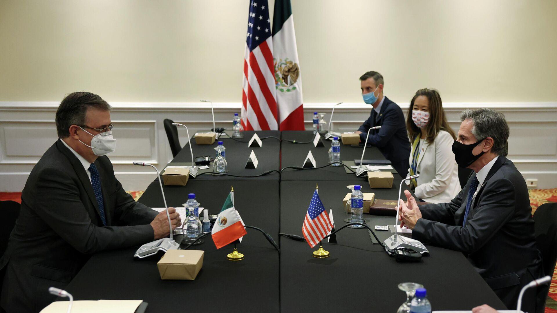 El canciller de México, Marcelo Ebrard, junto al secretario de Estado de EEUU, Antony Blinken - Sputnik Mundo, 1920, 02.06.2021