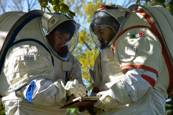 Marcos Bruno participa desde 2016 de iniciativas de exploración espacial preparatorias a las misiones a la luna y Marte - Sputnik Mundo