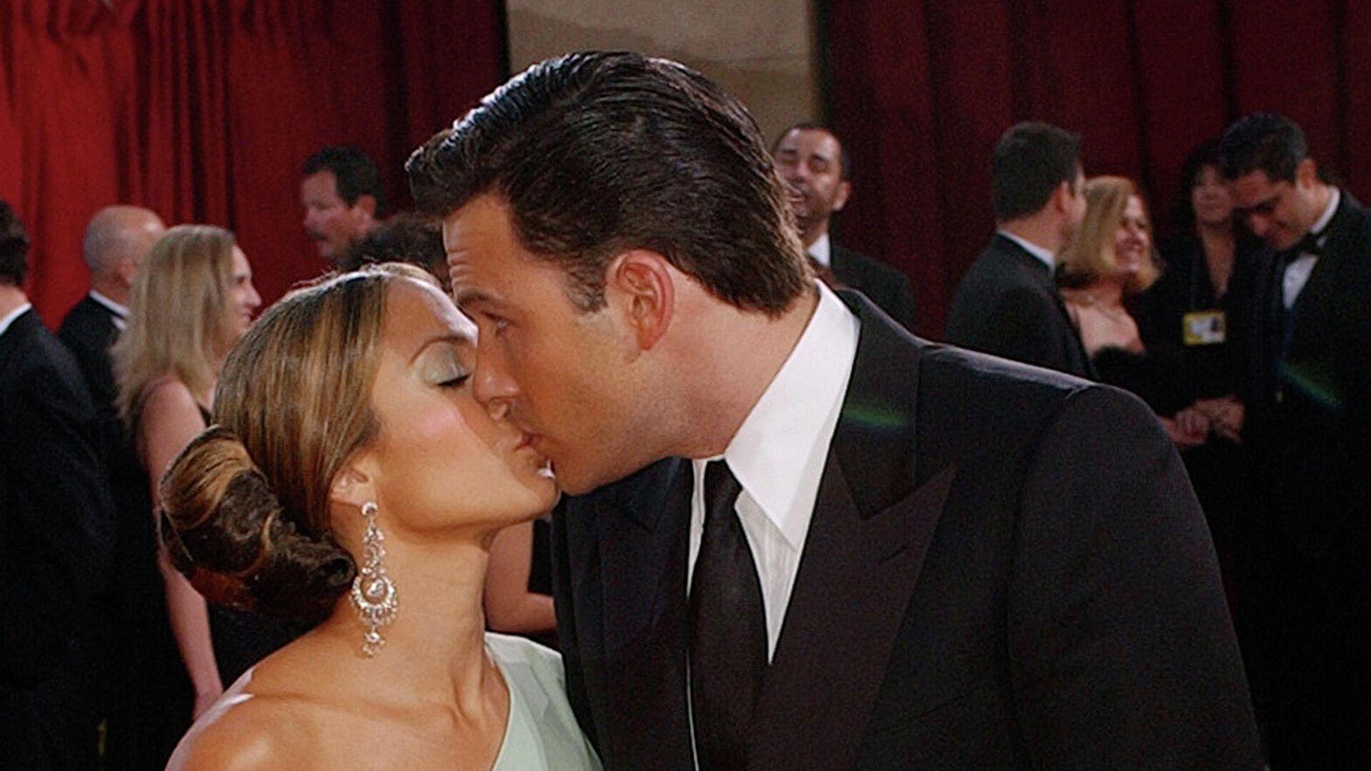 La cantante Jennifer López y el actor Ben Affleck en 2003 - Sputnik Mundo, 1920, 04.06.2021
