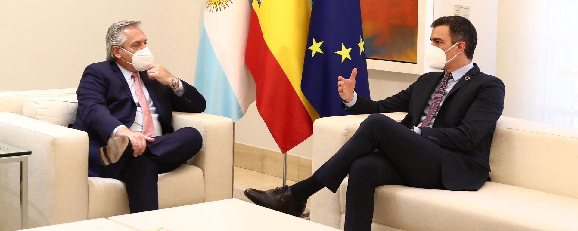 El presidente de España, Pedro Sánchez, y el presidente de Argentina, Alberto Fernández, reunidos en la Moncloa - Sputnik Mundo, 1920, 09.06.2021