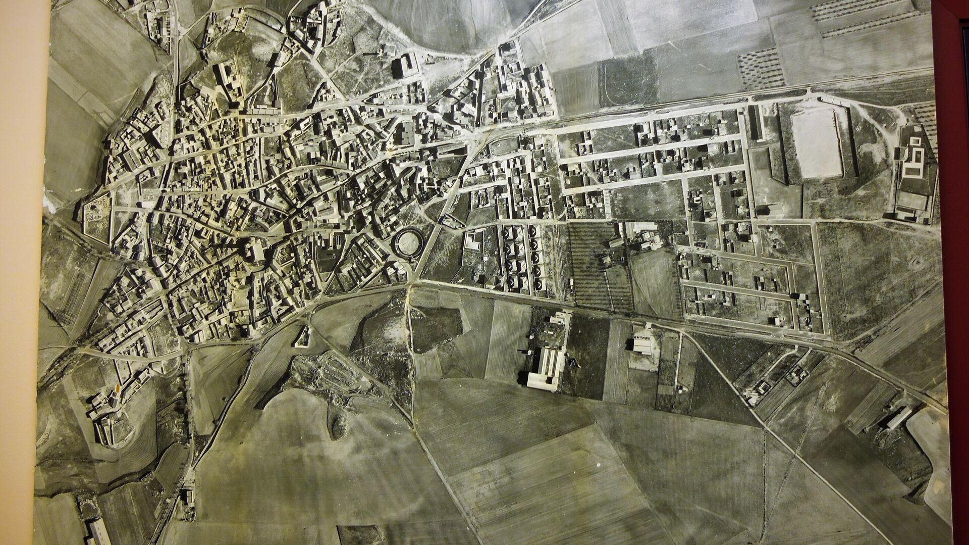 Foto aérea de Torres de la Alameda (Madrid), localidad donde se pretenden instalar las placas solares - Sputnik Mundo, 1920, 09.06.2021