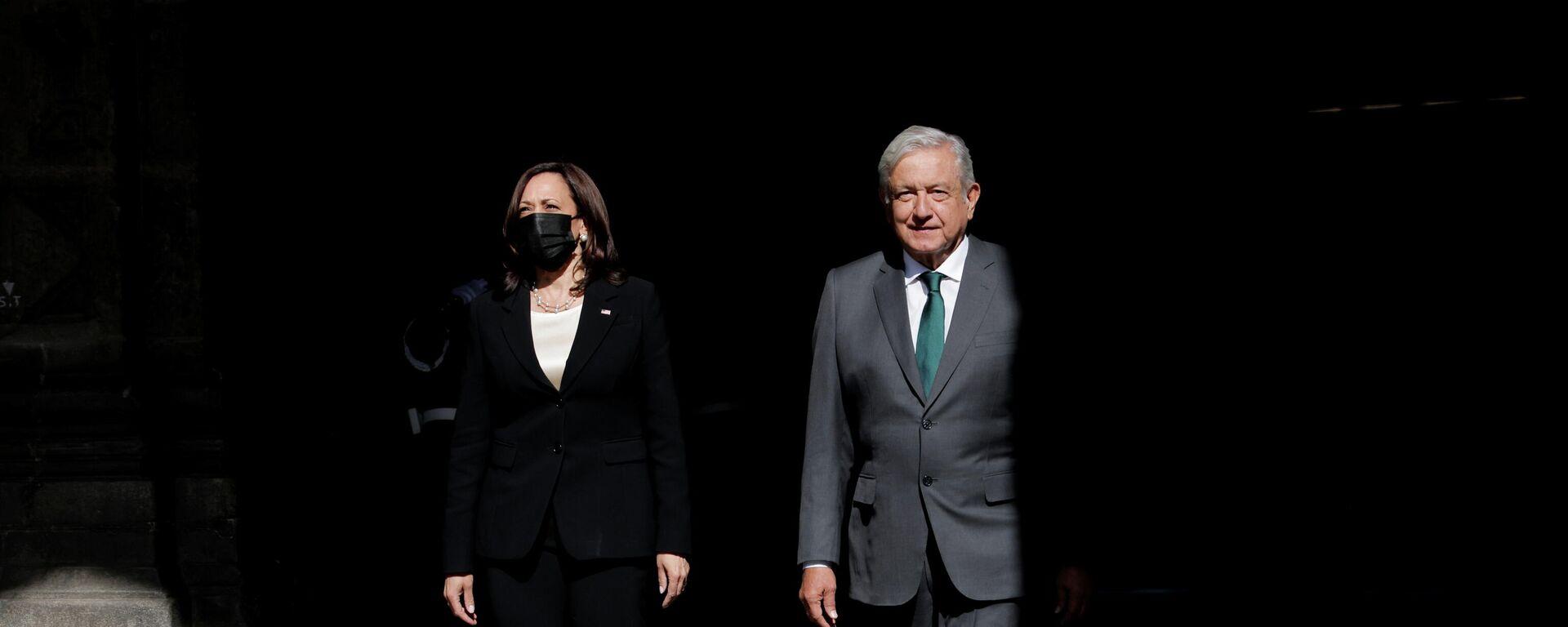 La vicepresidenta de EEUU, Kamala Harris, y el presidente de México, Andrés Manuel López Obrador - Sputnik Mundo, 1920, 09.06.2021