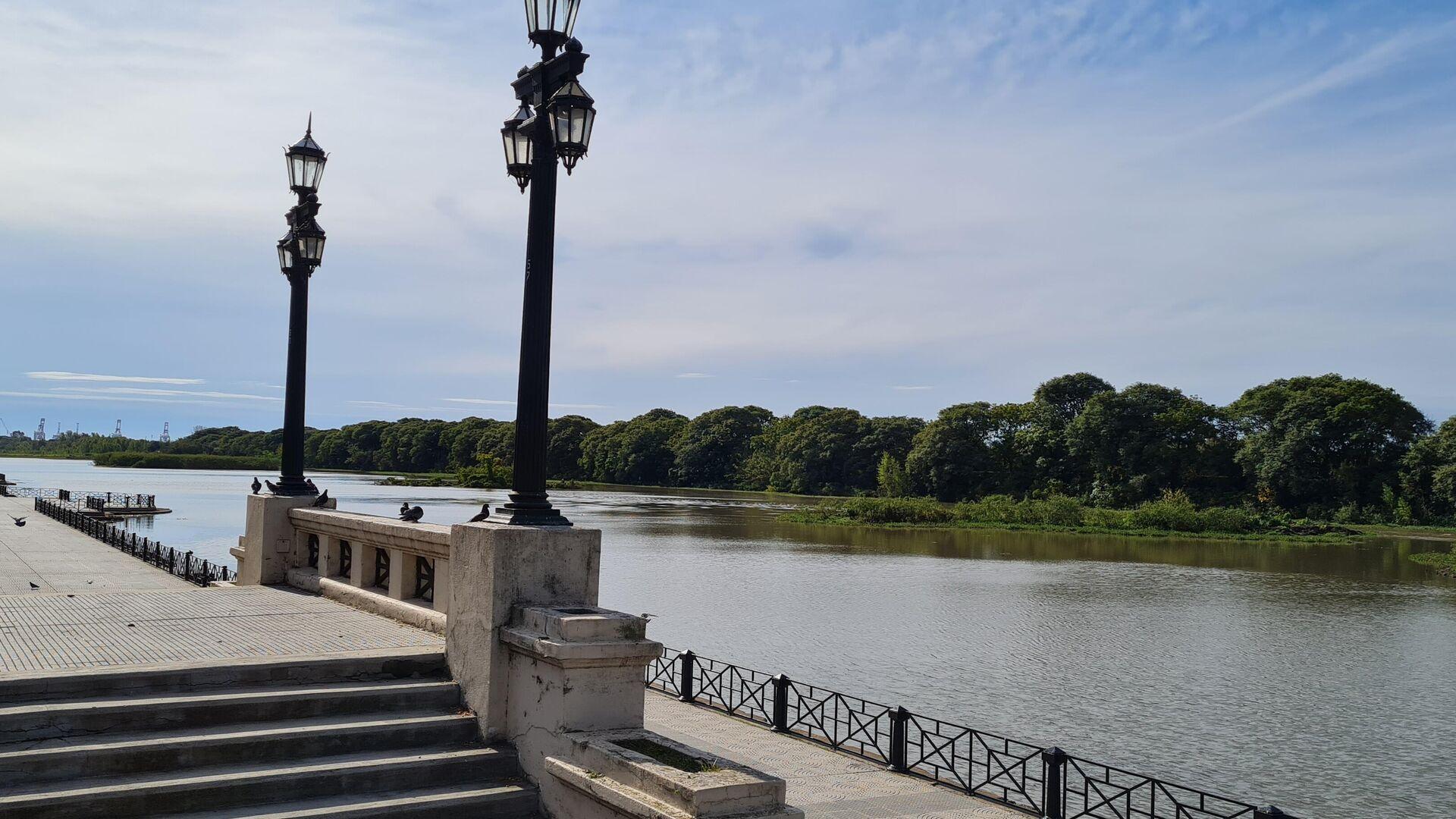 Entre la Av. Costanera Sur y la Reserva, donde antes estaba el Balneario Municipal, ahora está la laguna de Los Coipos - Sputnik Mundo, 1920, 11.06.2021