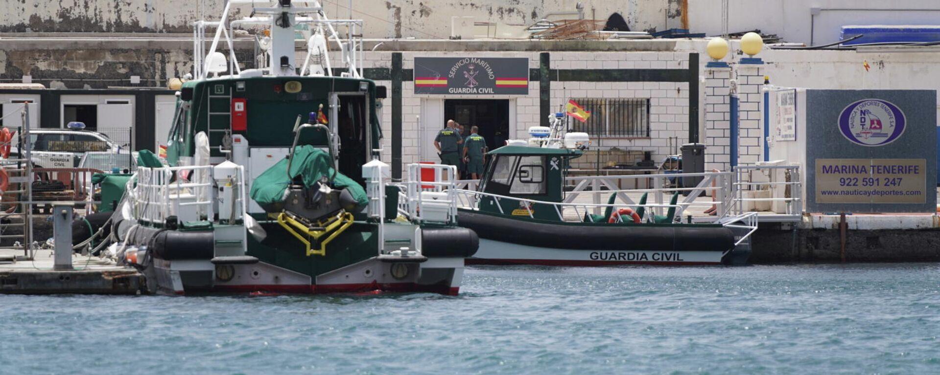 Dos lanchas de la Guardia Civil española buscan los cuerpos de dos niñas desaparecidas en Tenerife - Sputnik Mundo, 1920, 11.06.2021