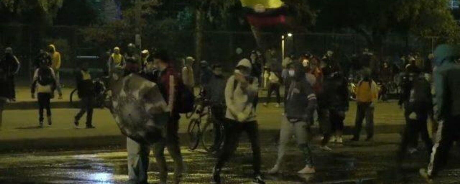 Video: enfrentamientos entre la Policía y los manifestantes durante visita de la CIDH en Colombia - Sputnik Mundo, 1920, 11.06.2021