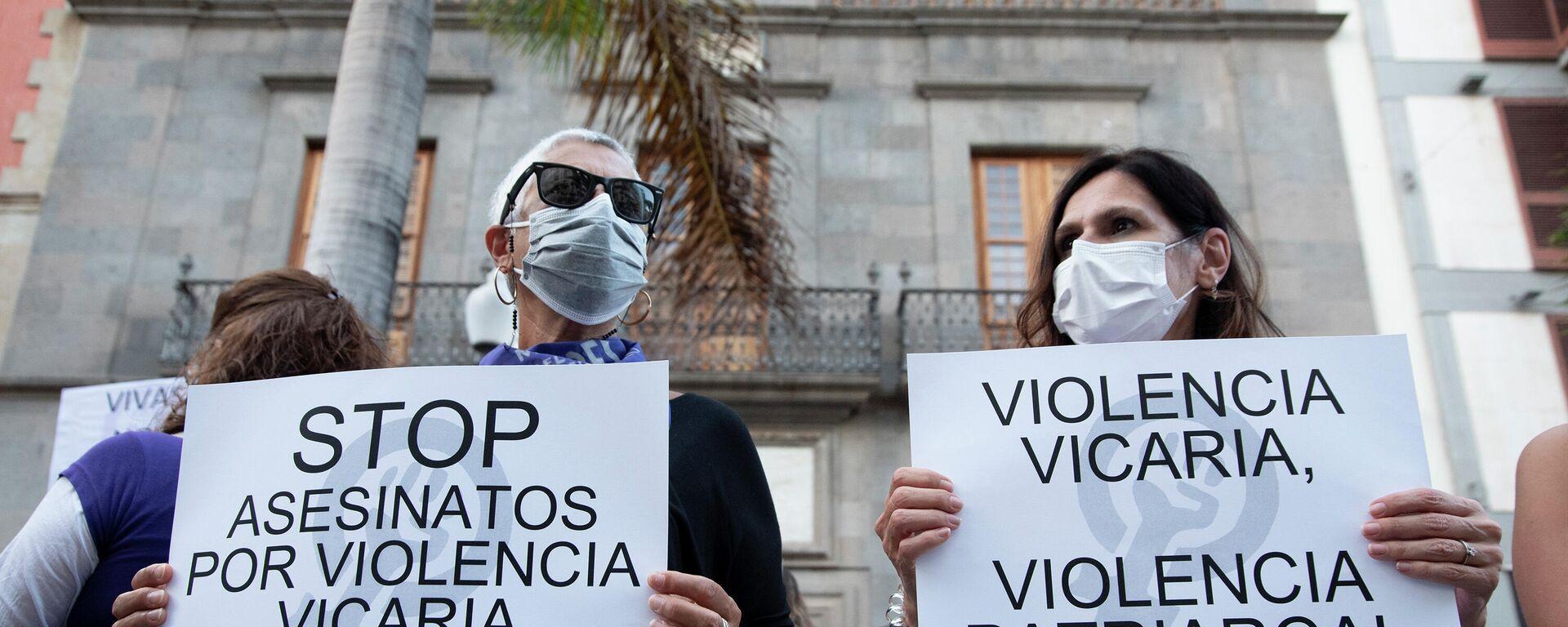 Concentración contra todos los feminicidios en Santa Cruz de Tenerife, a raíz del descubrimiento del cadáver de Olivia - Sputnik Mundo, 1920, 14.06.2021