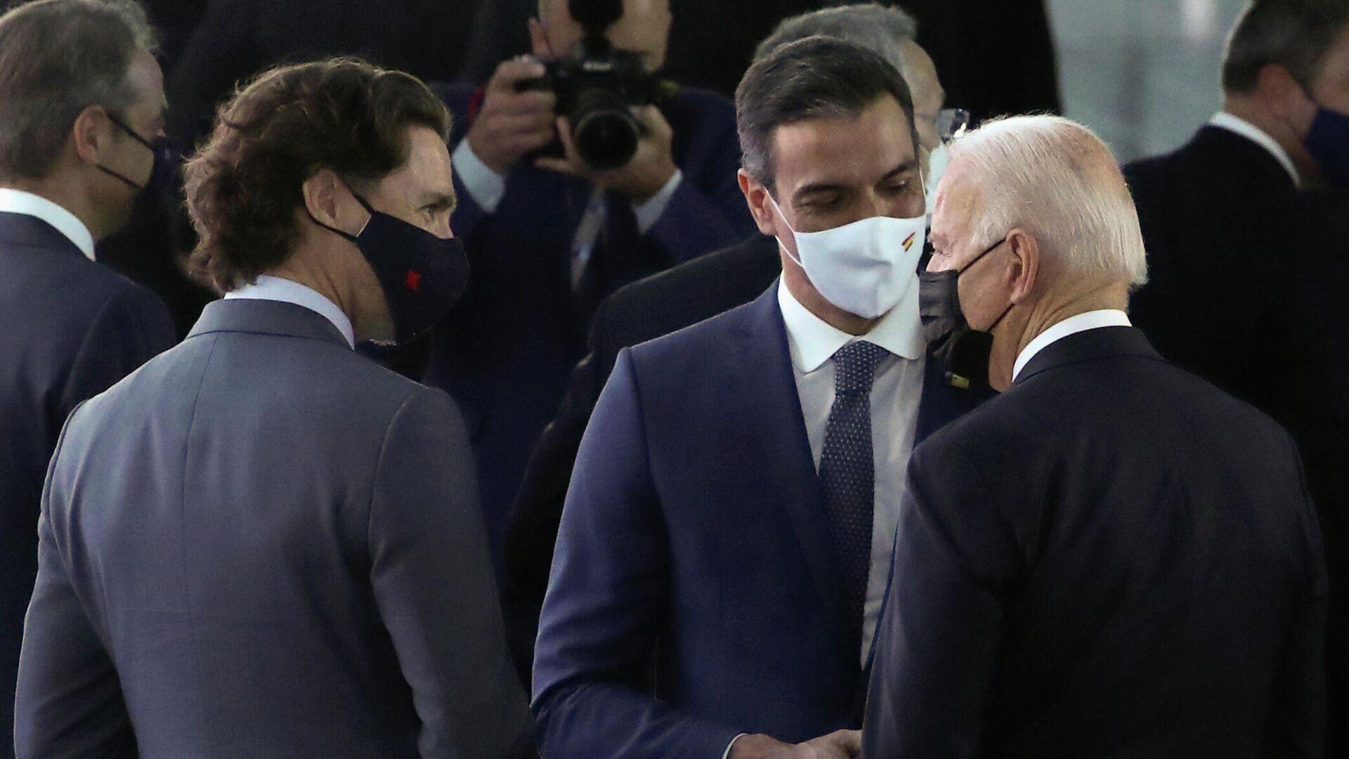 El presidente del Gobierno de España, Pedro Sánchez, con el presidente estadounidense, Joe Biden - Sputnik Mundo, 1920, 15.06.2021