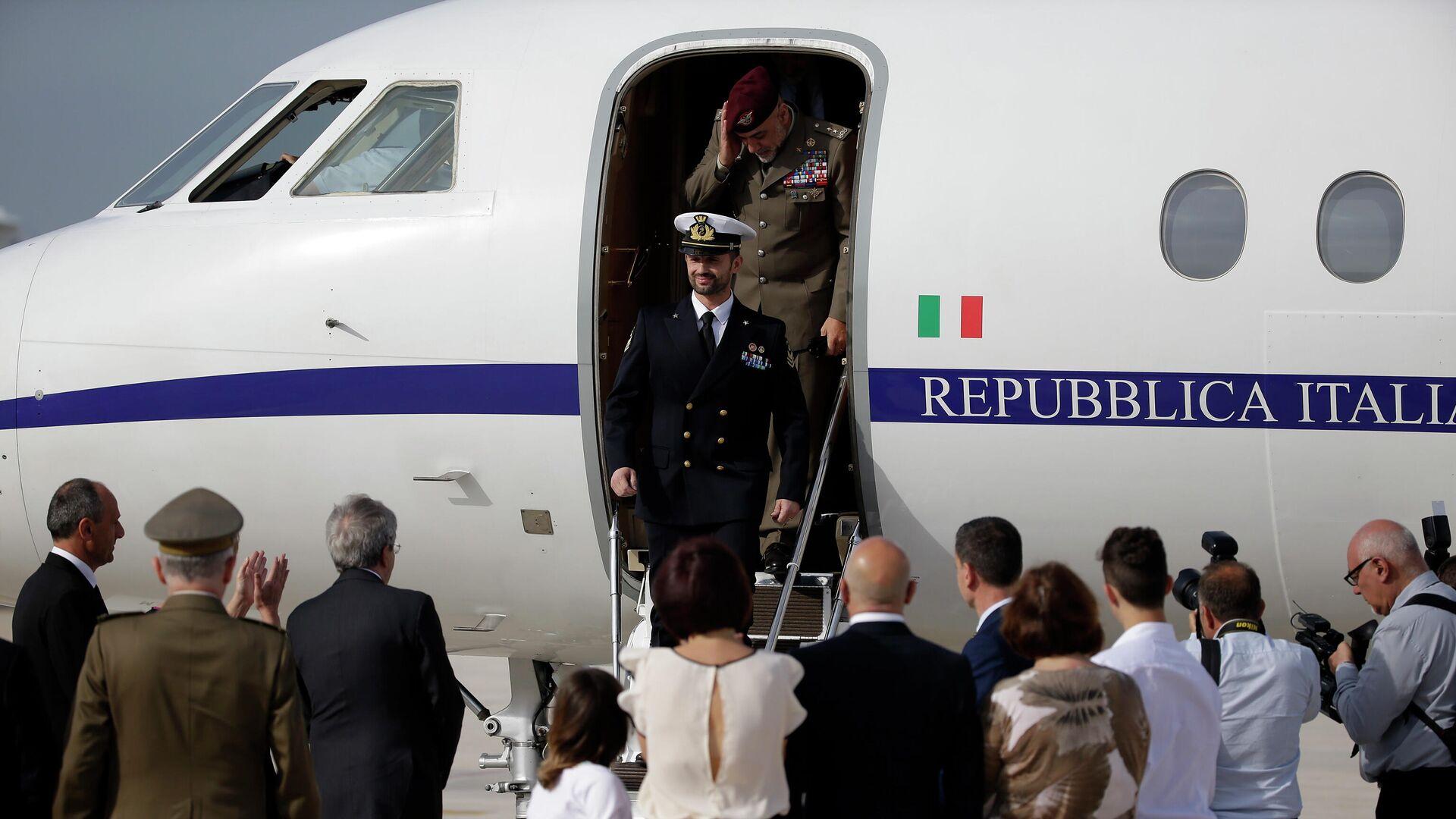 Miembro del regimiento San Marco de la Marina Militar Italiana, Salvatore Girone en su vuelta a Italia en 2016 - Sputnik Mundo, 1920, 15.06.2021