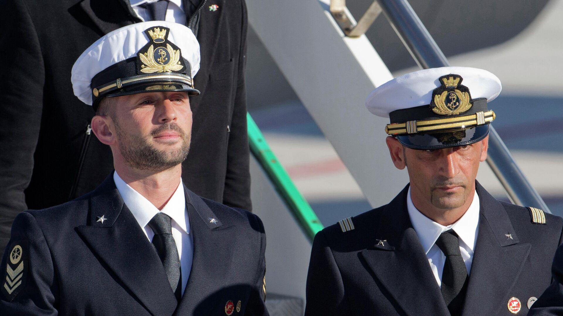 Miembros del regimiento San Marco de la Marina Militar Italiana, Massimiliano Latorre y Salvatore Girone en 2012 - Sputnik Mundo, 1920, 15.06.2021
