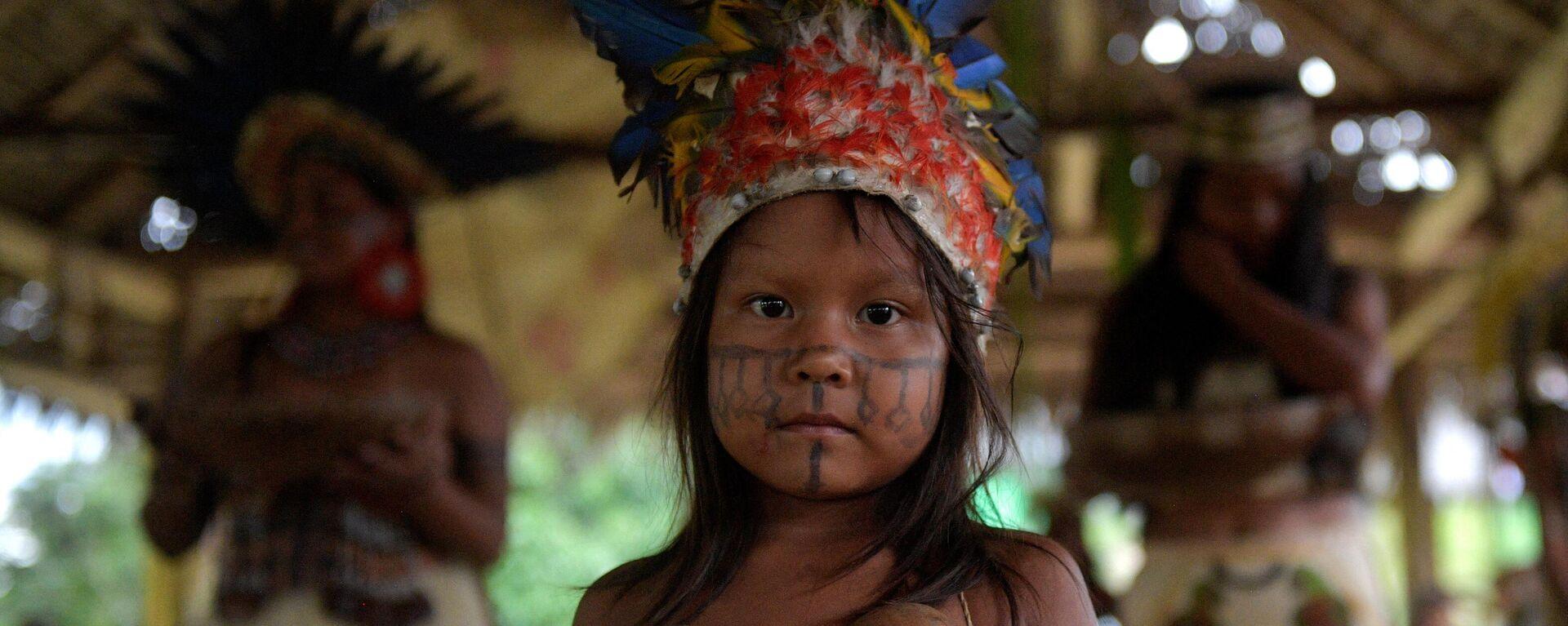 Niña de la comunidad Santa Sofia Uchuma, en la Amazonia colombiana - Sputnik Mundo, 1920, 17.06.2021