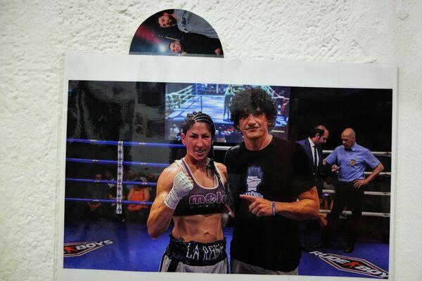 Una foto de un combate de Miriam Gutiérrez en el gimnasio de Jero García en Madrid - Sputnik Mundo