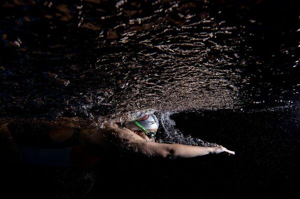 El  nadador nacional turco Nil Sahin, de Sebnem Coskun, Turquía. - Sputnik Mundo