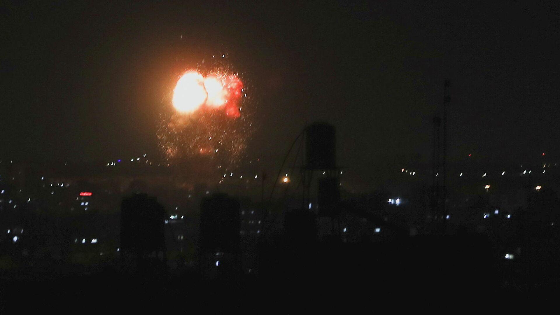 Ataques de la aviación de Israel en la Franja de Gaza, el 18 de junio del 2021 - Sputnik Mundo, 1920, 17.06.2021