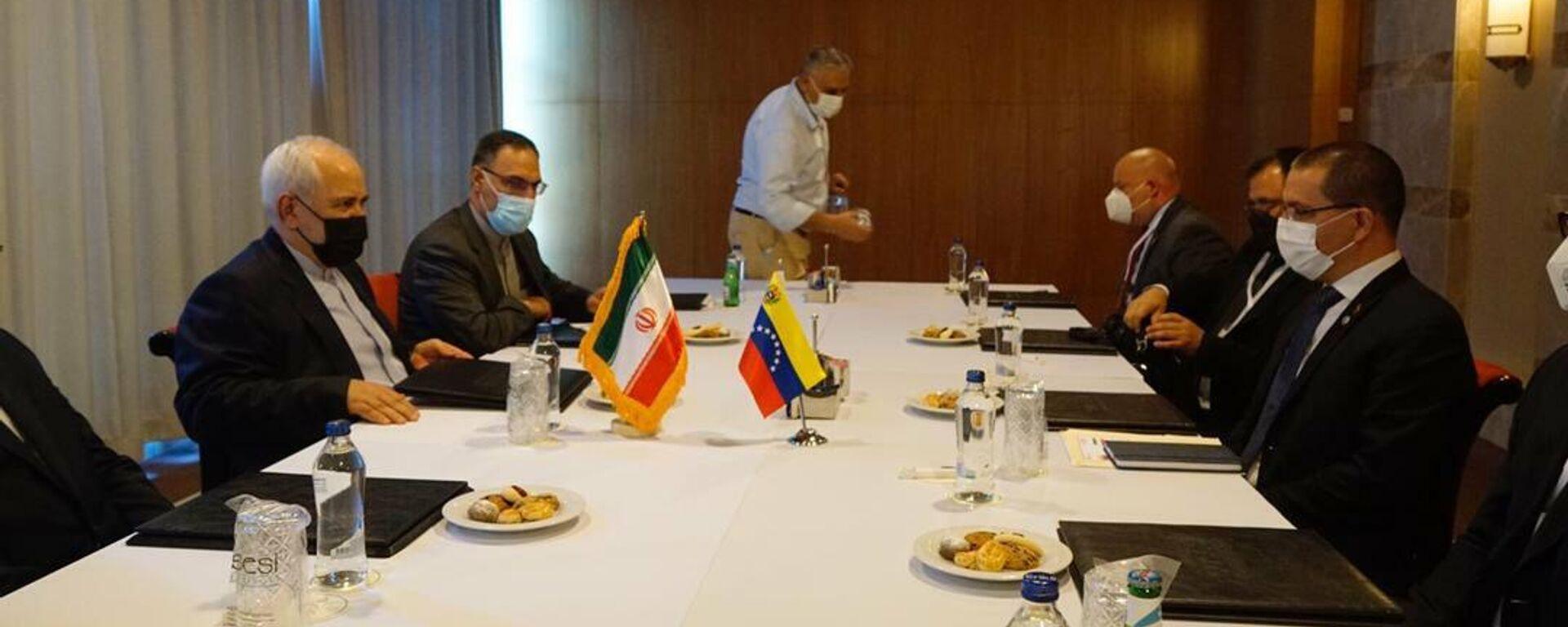 El canciller iraní, Mohammad Javad Zarif y el canciller de Venezuela, Jorge Arreaza - Sputnik Mundo, 1920, 18.06.2021