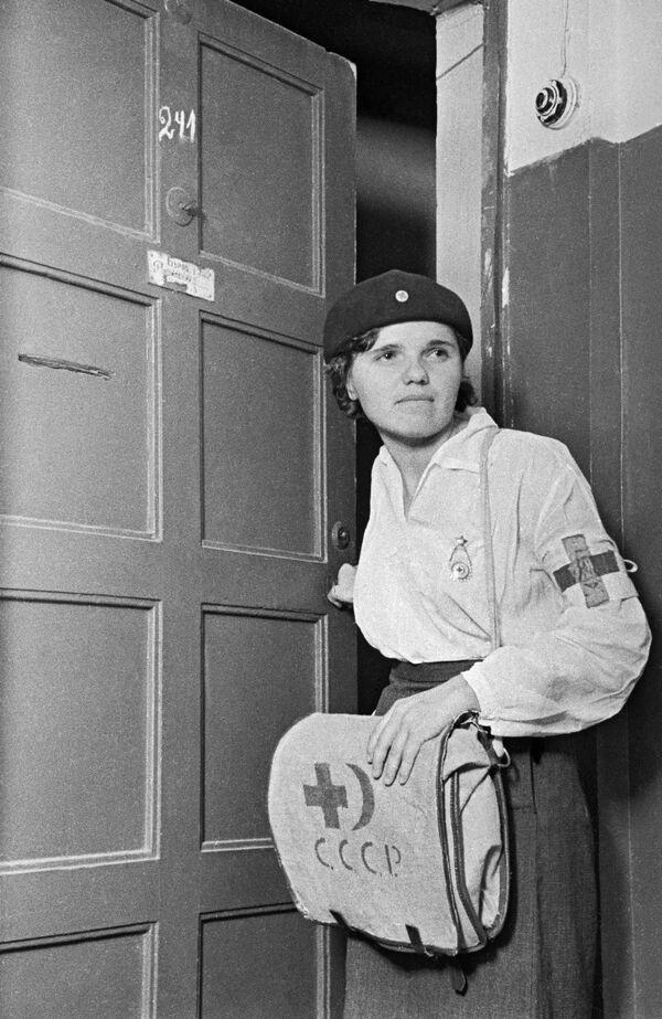 Una enfermera, Moscú, junio de 1941. - Sputnik Mundo