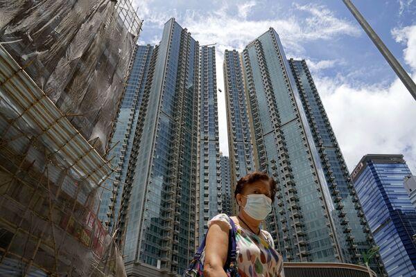 Hong Kong organiza loterías. Ofrece premios por un valor total de 14 millones de dólares. Incluso una vivienda de 1,4 millones de dólares, un auto Tesla, un Rolex y lingotes de oro. - Sputnik Mundo
