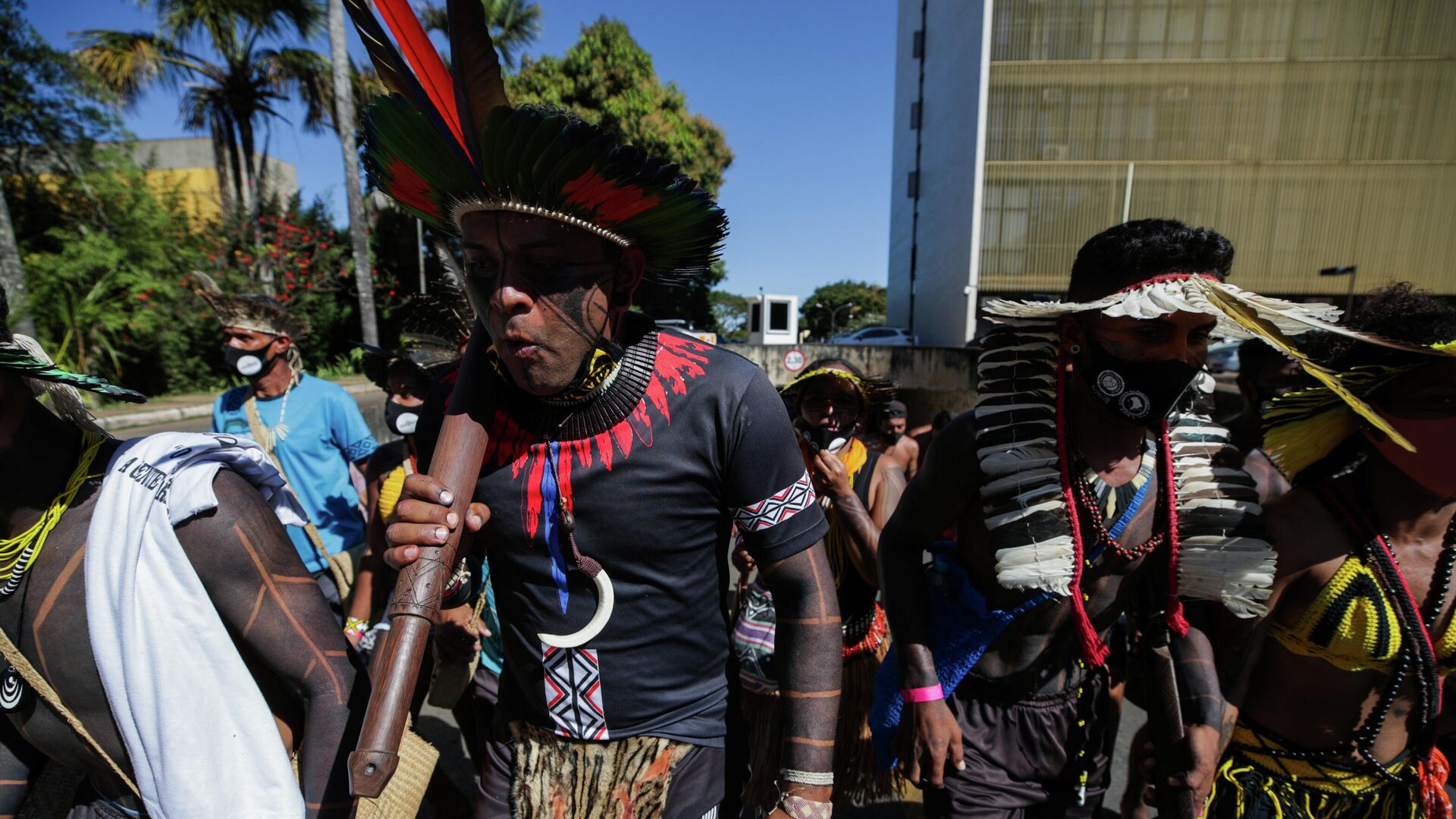 Indígenas brasileños protestan en Brasilia contra Bolsonaro - Sputnik Mundo, 1920, 22.06.2021