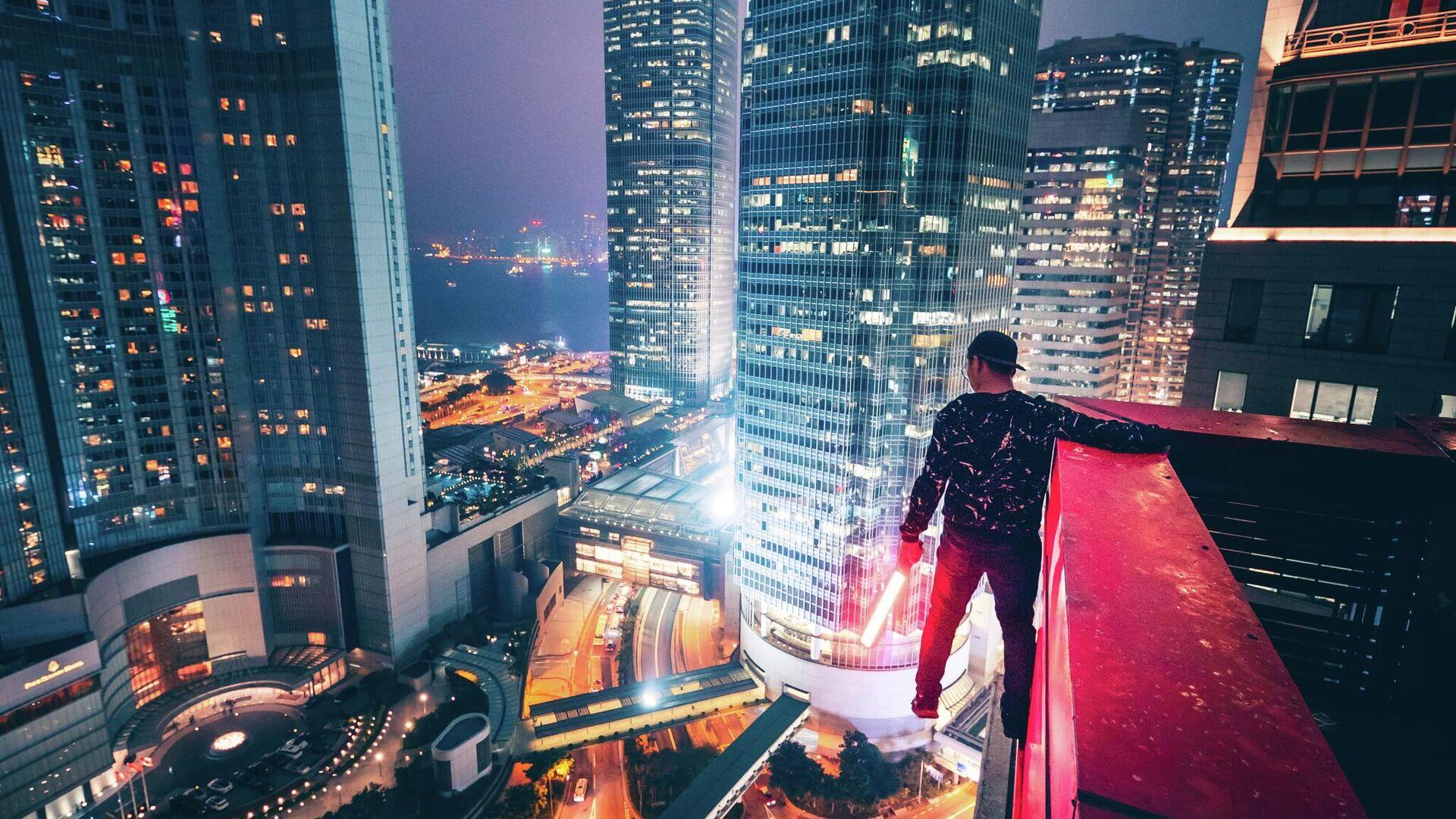 Un hombre en el techo (imagen referencial) - Sputnik Mundo, 1920, 24.06.2021