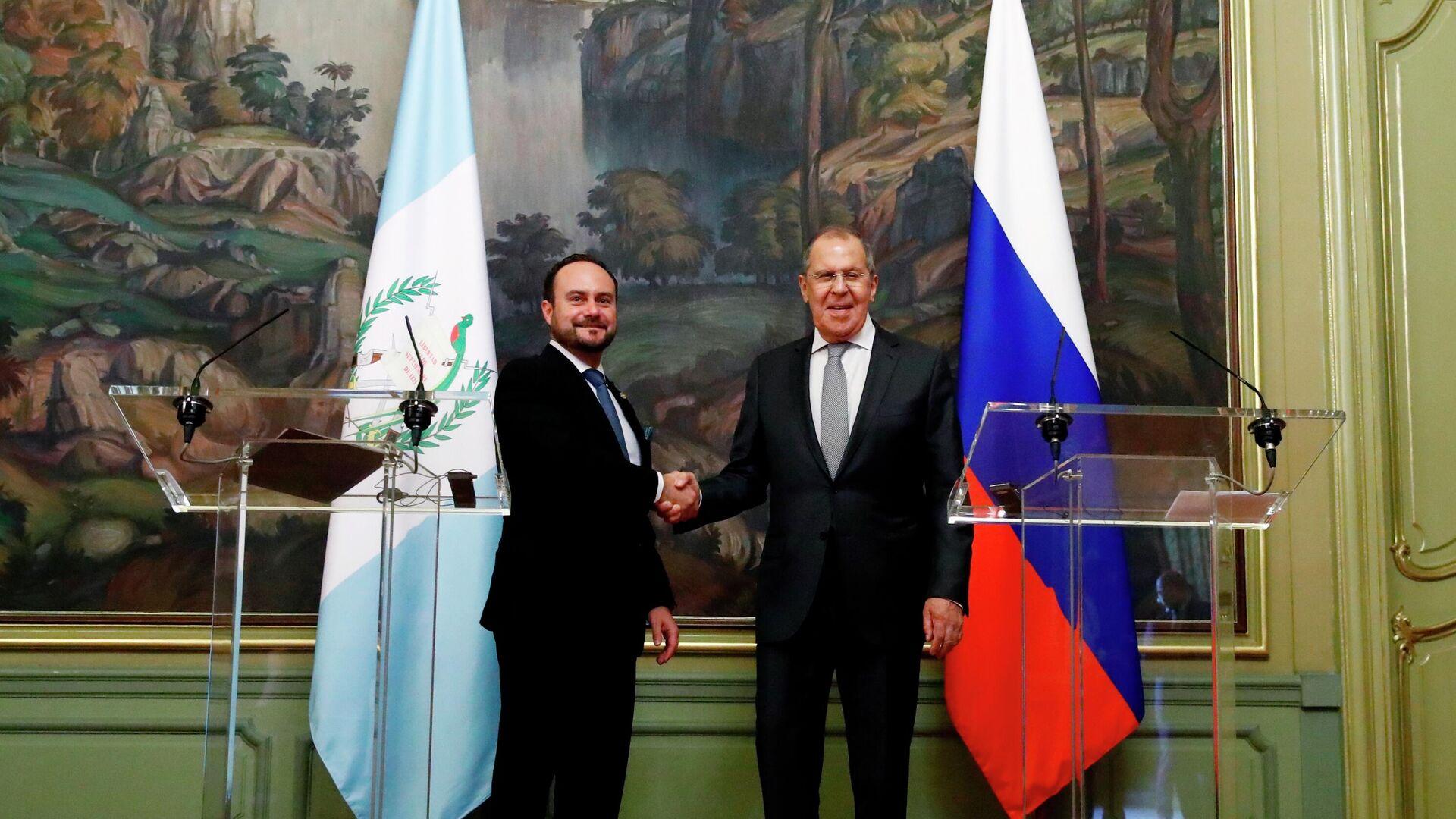 El ministro de Asuntos Exteriores de Rusia, Serguéi Lavrov, y su par de Guatemala, Pedro Brolo - Sputnik Mundo, 1920, 24.06.2021