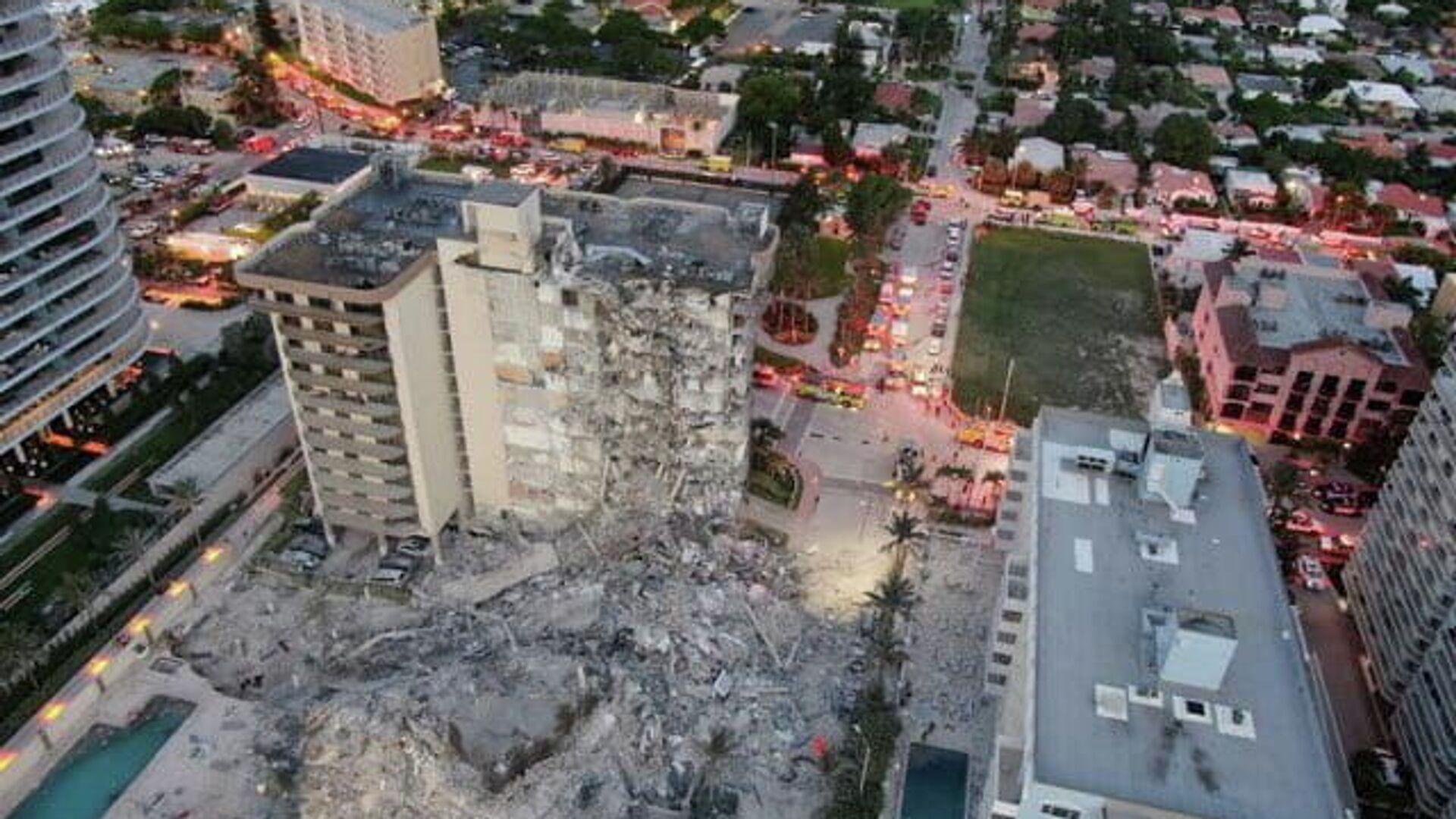El derrumbe parcial de edificio en Miami - Sputnik Mundo, 1920, 24.06.2021
