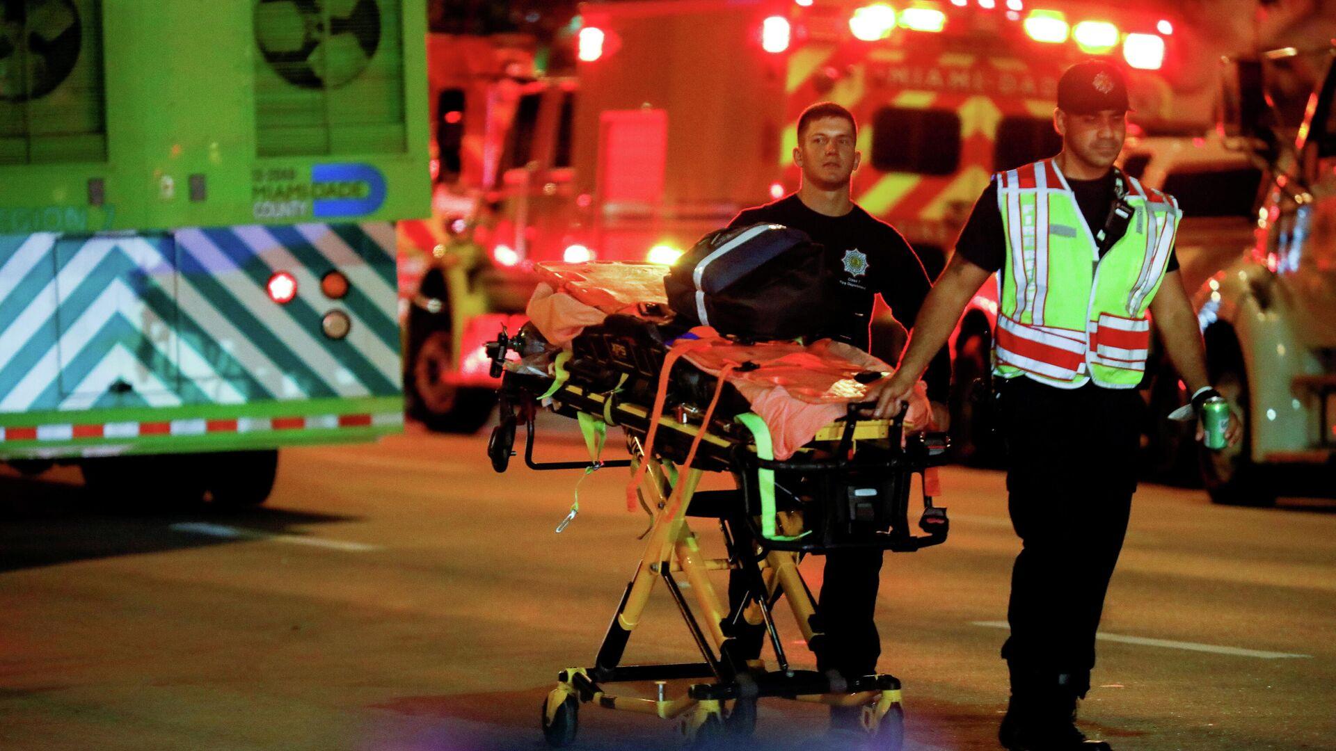 Operaciones de rescate tras el derrumbe de un edificio en Miami, el 24 de junio de 2021 - Sputnik Mundo, 1920, 24.06.2021