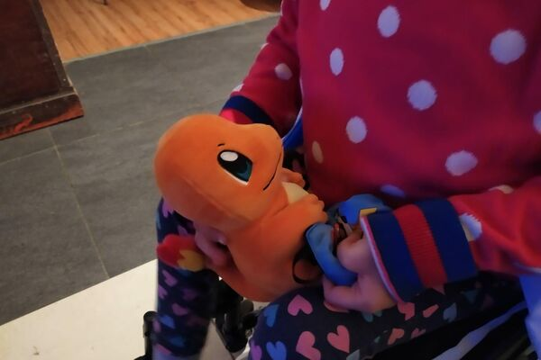 Muñeco de 'Charmander' de Pokémon, juguete favorito de Aurora - Sputnik Mundo