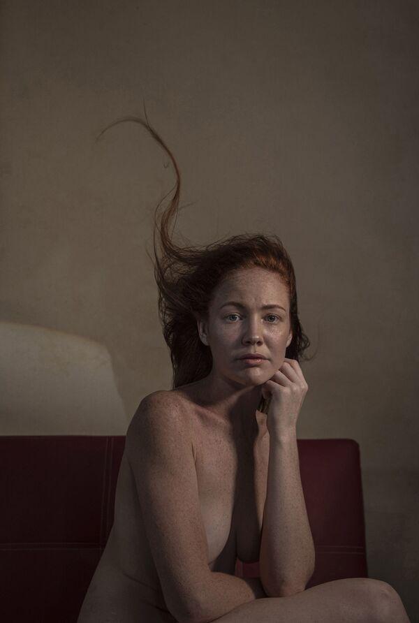'Bonn Mariee', del fotógrafo australiano Brian Cassey, ganó el tercer puesto en la categoría Asking the question. - Sputnik Mundo
