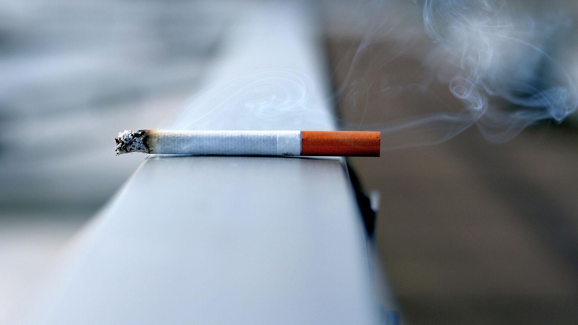 Un cigarrillo, imagen referencial - Sputnik Mundo, 1920, 25.06.2021