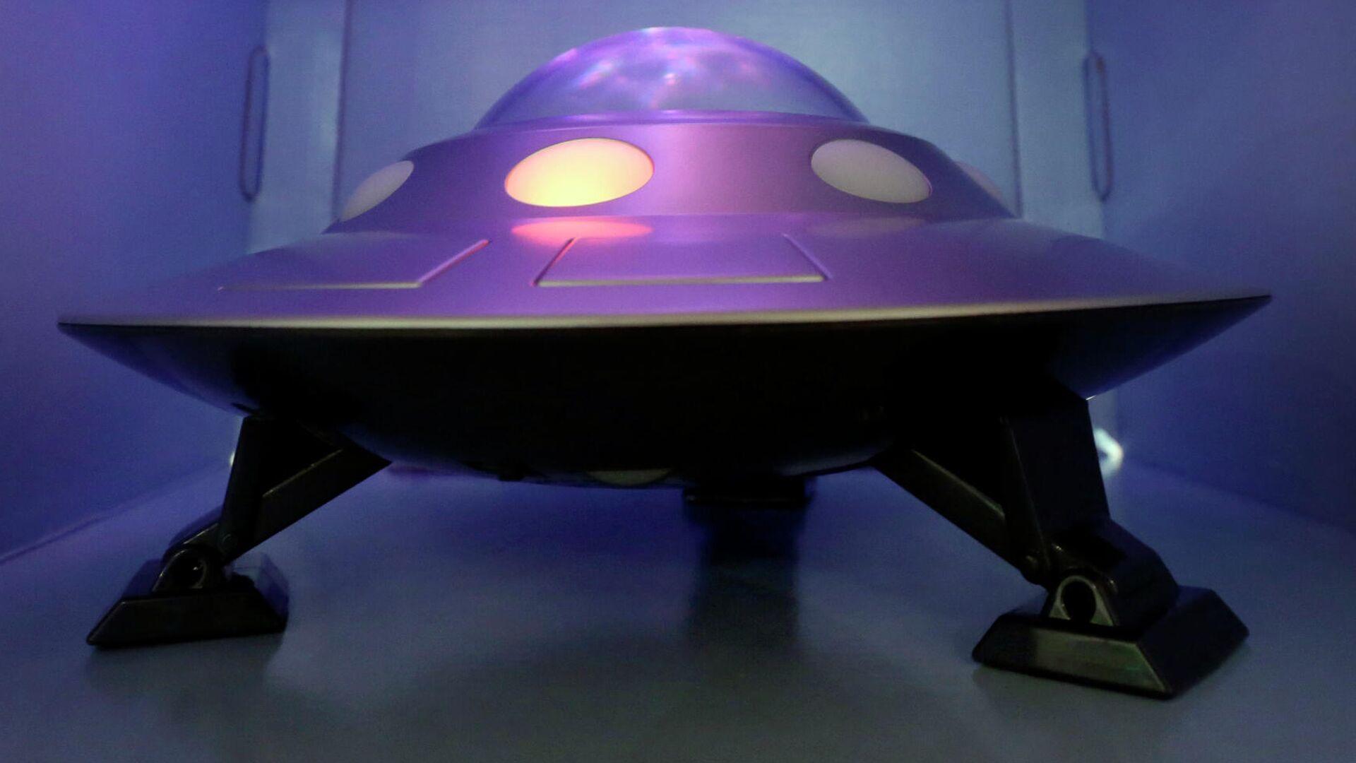 Un platillo volador de juguete - Sputnik Mundo, 1920, 26.06.2021