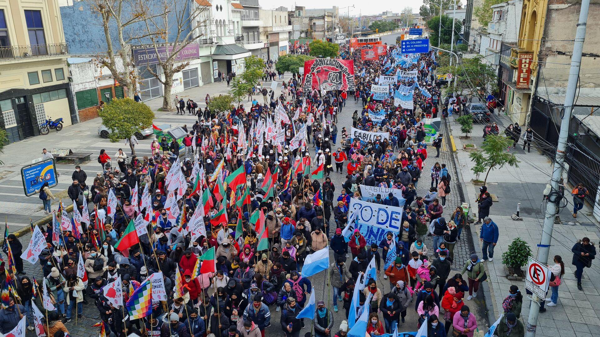 Organizaciones sociales de izquierda realizaron la multitudinaria movilización anual al Puente Pueyrredón - Sputnik Mundo, 1920, 26.06.2021