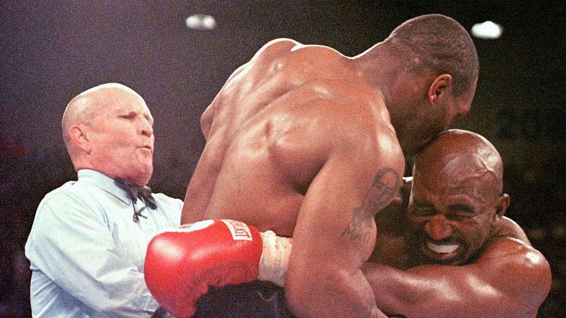 El día que Mike Tyson le mordió la oreja a Evander Holyfield - Sputnik Mundo, 1920, 28.06.2021