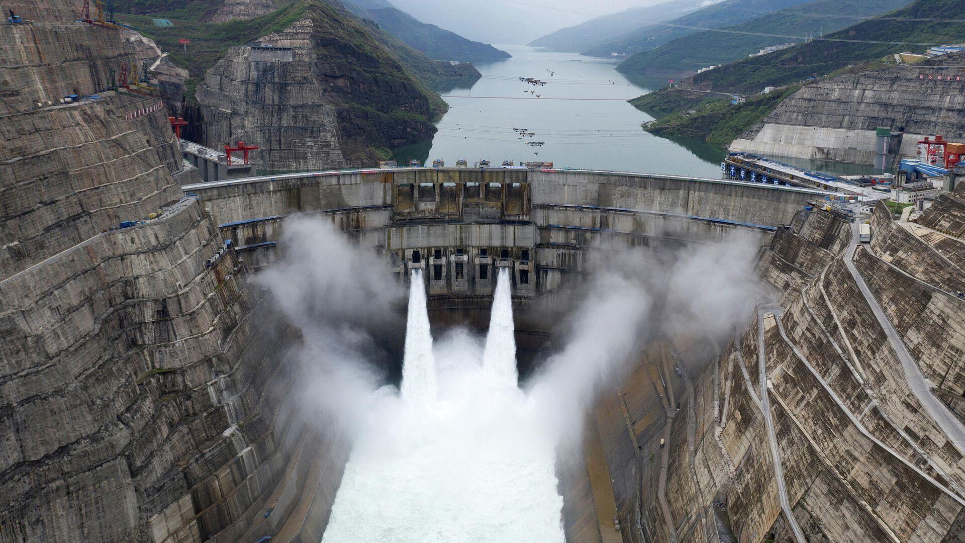 La central hidroeléctrica de Baihetan en Sichuan, en China - Sputnik Mundo, 1920, 28.06.2021