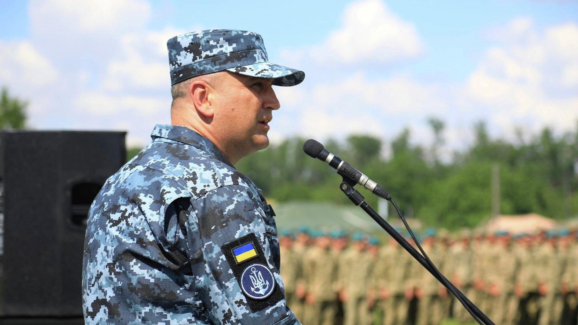El contralmirante Oleksiy Neizhpapa, comandante de las Fuerzas Navales de Ucrania, habla durante la ceremonia de apertura del ejercicio marítimo multinacional Sea Breeze en Ucrania - Sputnik Mundo, 1920, 29.06.2021