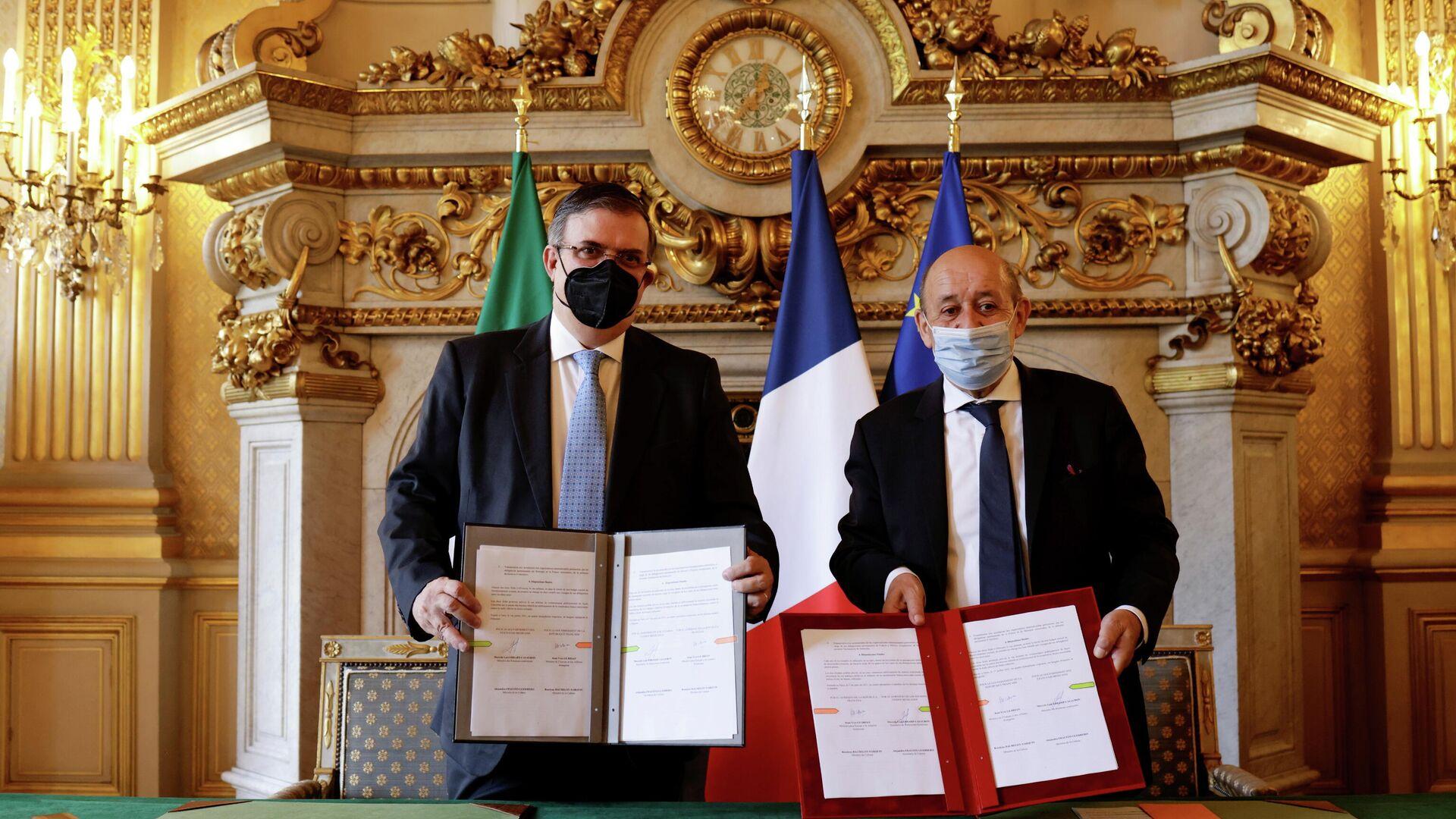 El canciller de México, Marcelo Ebrard, y el ministro para Europa y Asuntos Exteriores de Francia de Jean-Yves Le Drian - Sputnik Mundo, 1920, 01.07.2021