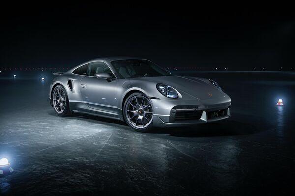 Un Un Porsche 911 Turbo S de la edición especial 'Duet' - Sputnik Mundo